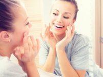 おでこを広くする脱毛のメリット、額脱毛との違い、回数、効果などの口コミ
